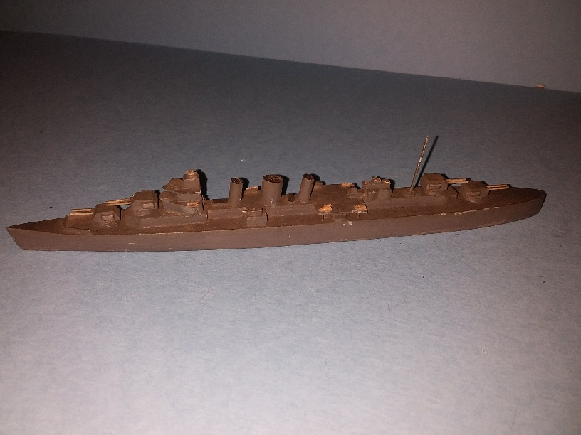 County class RN heavy cruiser approx 1/1300 scale