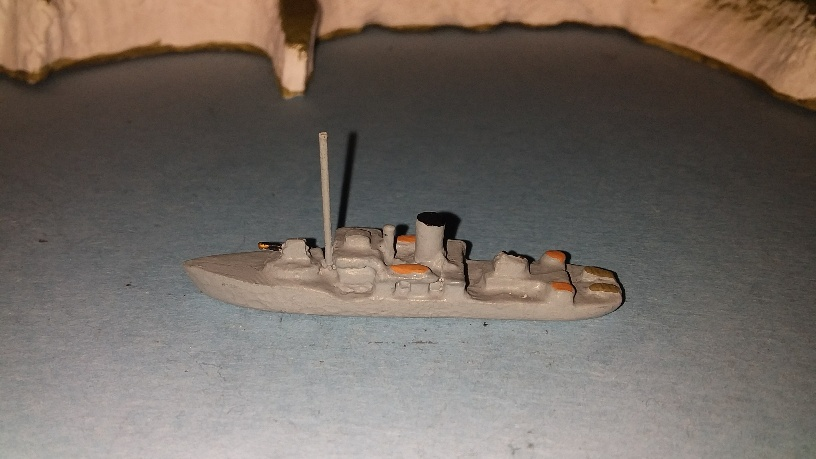 Flower class RN corvette 1940 small bridge mast in front