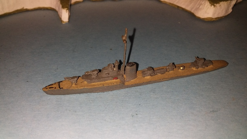 HMS Javelin Destroyer RN 1930s 1 set TTs and 1x4""