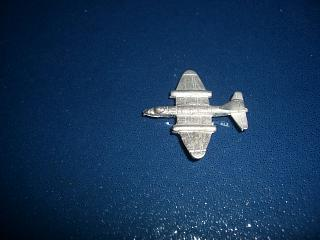 1:600 Canberra jet bomber aircraft unpainted